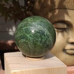 Jade néphrite sphère